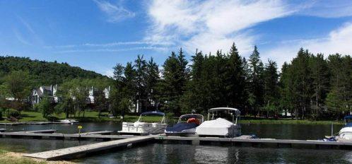 Inn at Deep Creek Lake with dock and boats