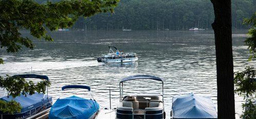 Deep Creek Lake Maryland boats and pontoon