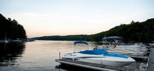 Inn at Deep Creek Lake day use dock and boats